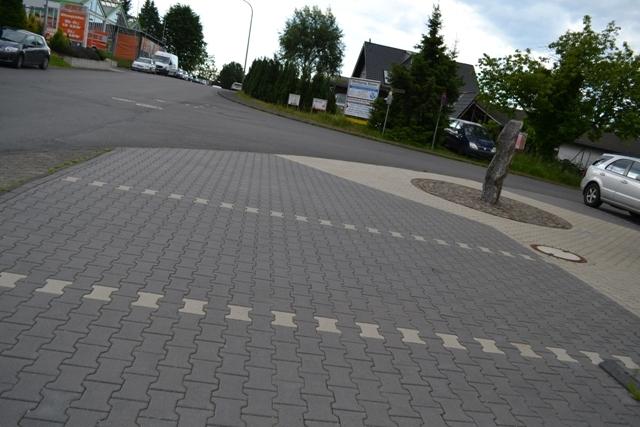Straßenbauarbeiten_bei_dem_Umbau_einer_Gewerbeflaeche_in_Lindlar